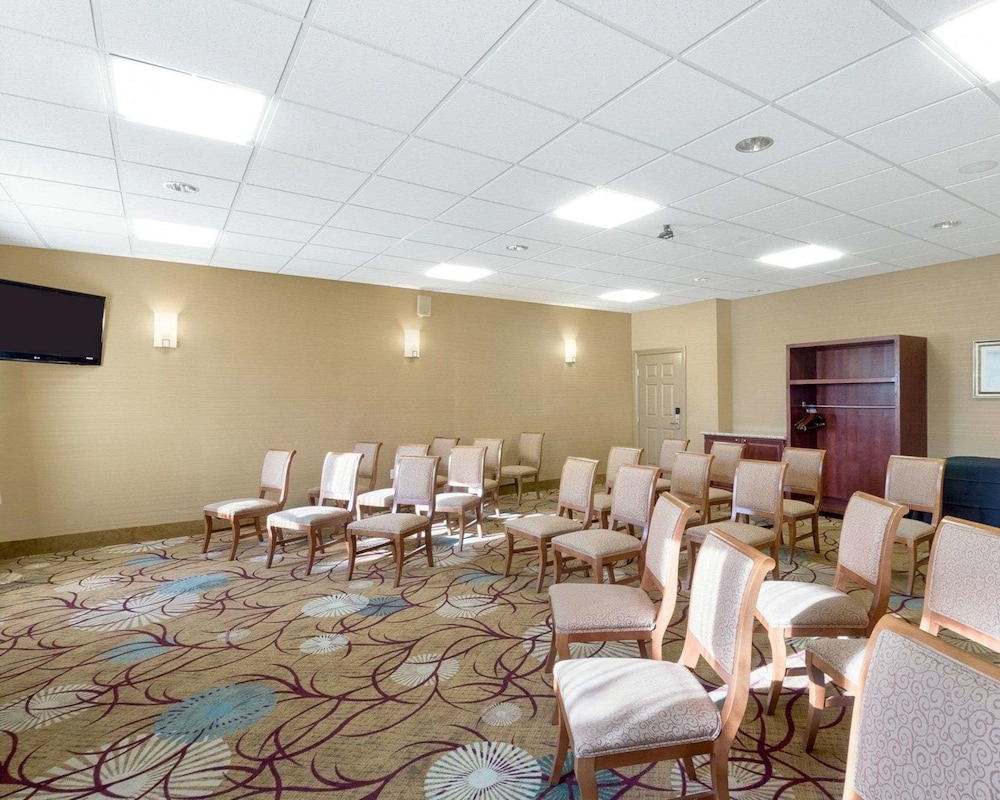 Meeting Facility, Comfort Inn & Suites Fayetteville-University Area