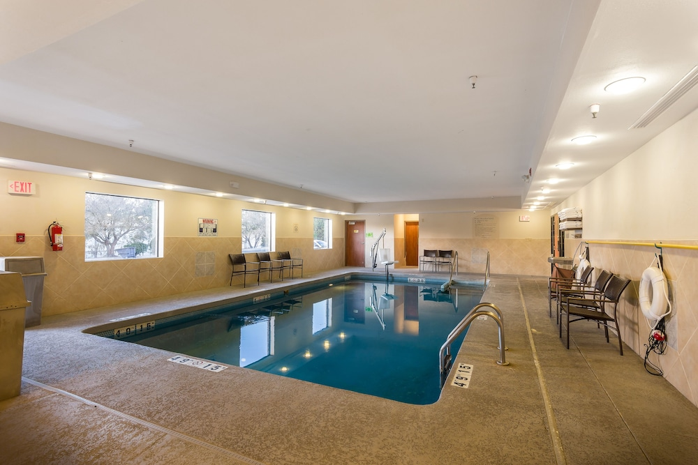 Fitness Facility, Holiday Inn Express Hotel & Suites Edmond, an IHG Hotel