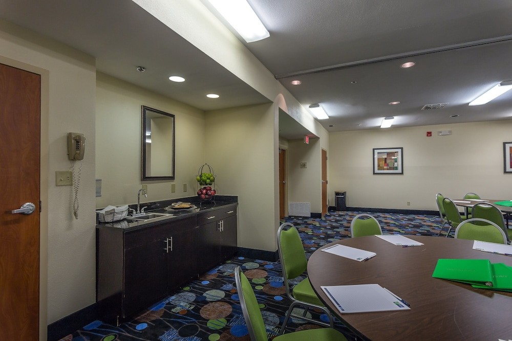 Meeting Facility, Holiday Inn Express Hotel & Suites Edmond, an IHG Hotel
