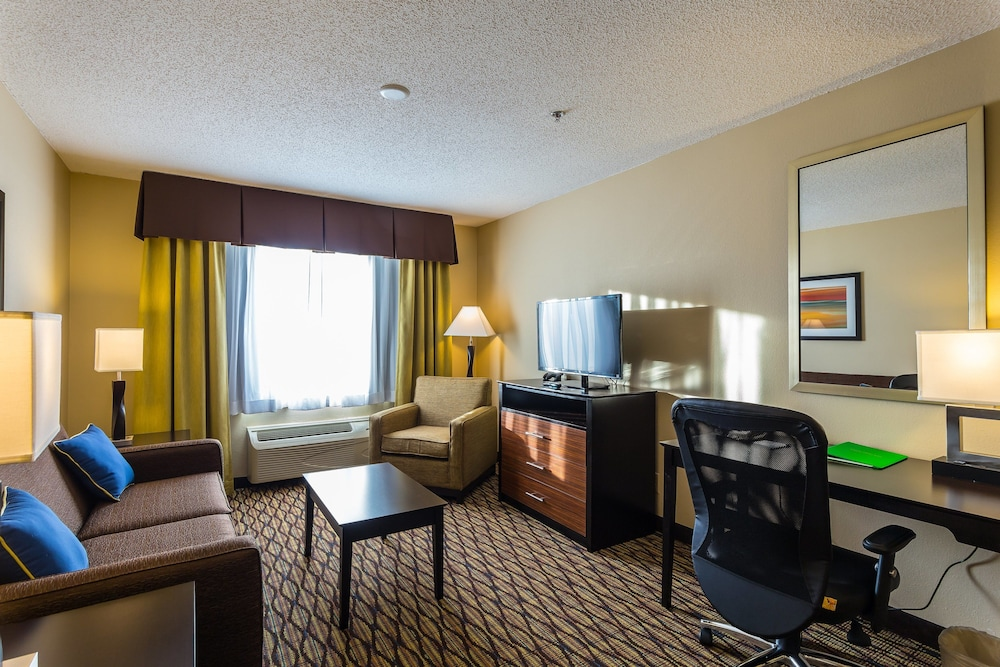 Room, Holiday Inn Express Hotel & Suites Edmond, an IHG Hotel