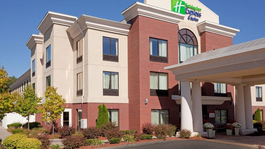 Holiday Inn Express Hotel & Suites Manchester Airport, an IHG Hotel