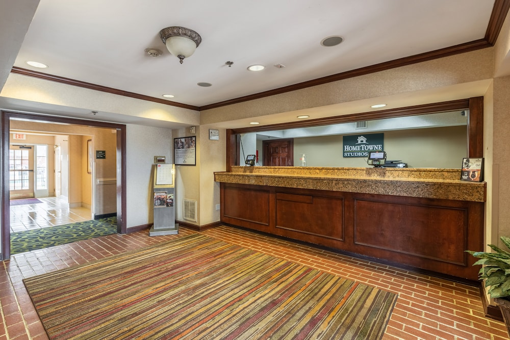 Lobby, HomeTowne Studios & Suites by Red Roof Charlotte - Concord