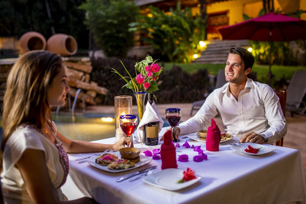 Outdoor Dining, The Lodge At Uxmal