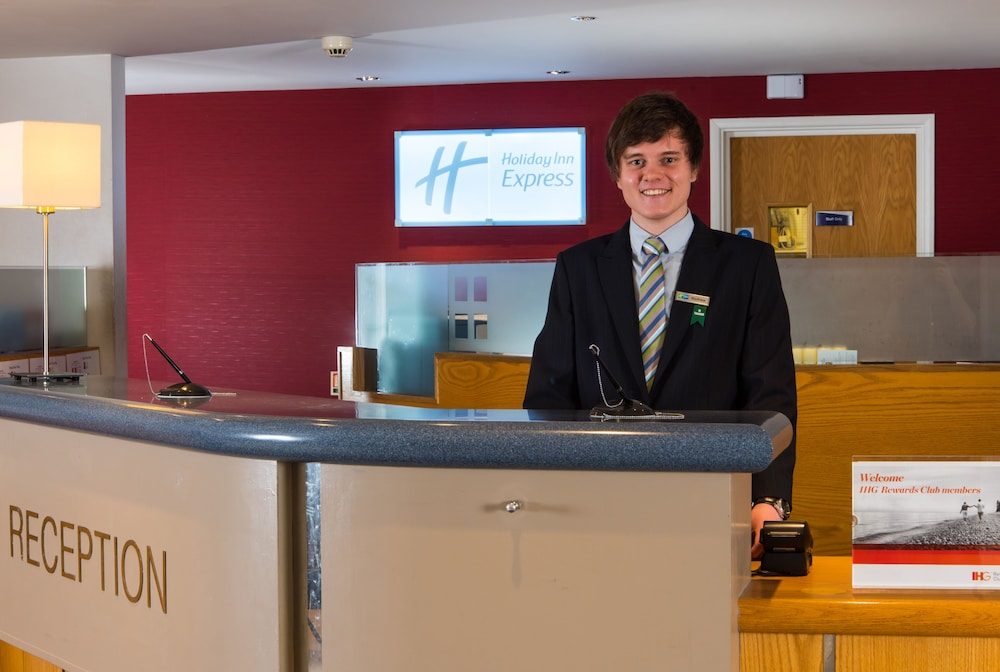 Lobby, Holiday Inn Express Inverness