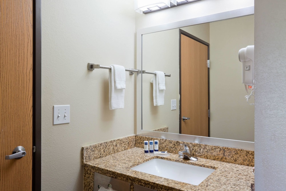 Bathroom, AmericInn by Wyndham Shakopee Near Canterbury Park