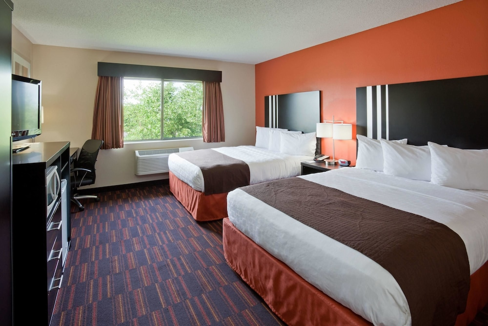 Room, AmericInn by Wyndham Shakopee Near Canterbury Park