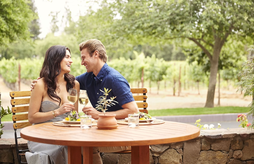 Couples Dining, Villagio at The Estate Yountville