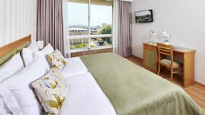 Egyptian cotton sheets, Select Comfort beds, minibar, in-room safe