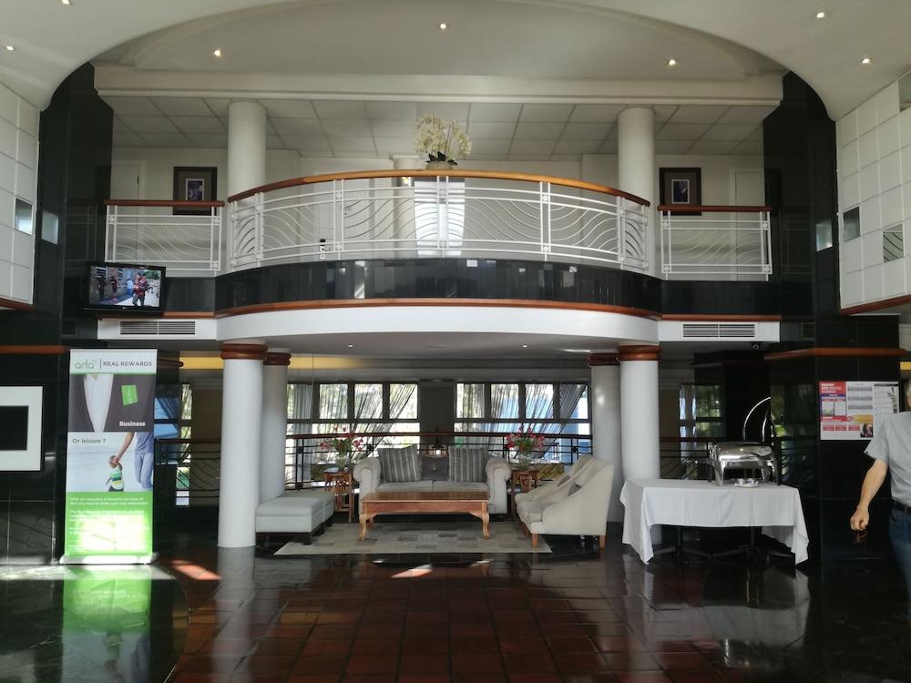 Aha The Riverside Hotel Reviews Photos Amp Rates
