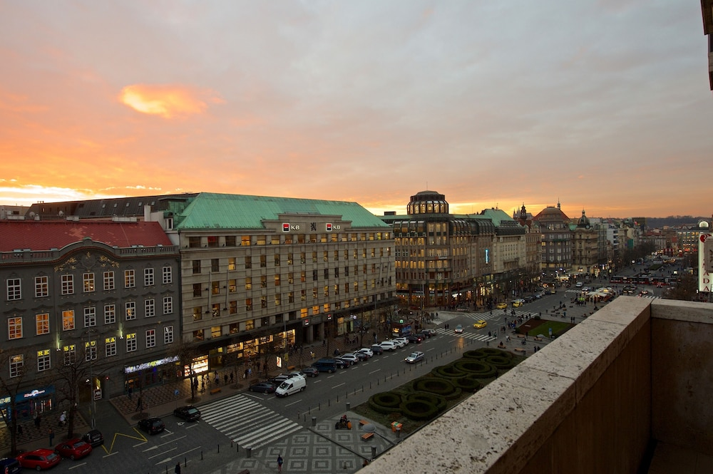 Jalta boutique hotel in prague hotel rates reviews on for Hotel boutique prague
