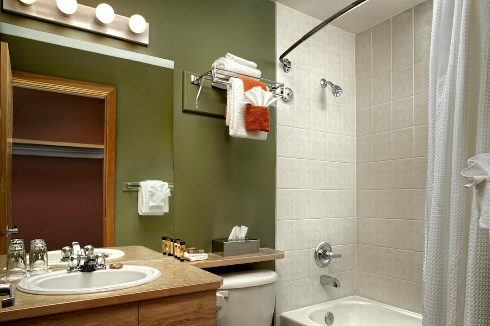 Room Amenity, Windtower Lodge and Suites