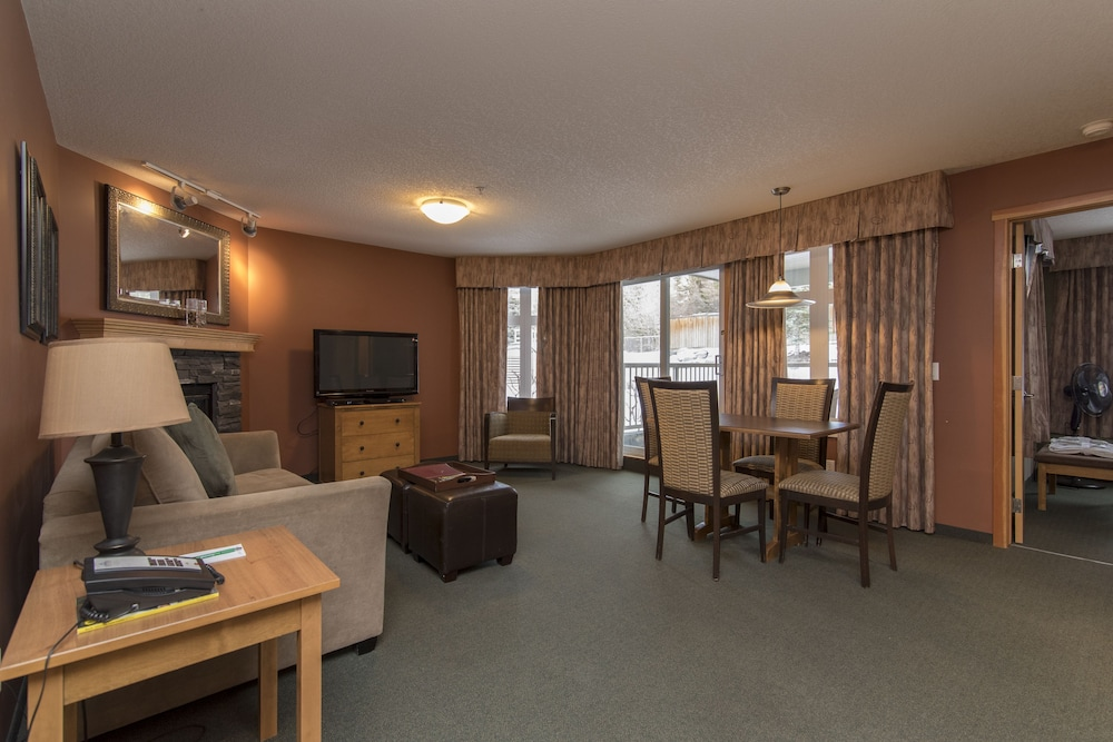 Room, Windtower Lodge and Suites