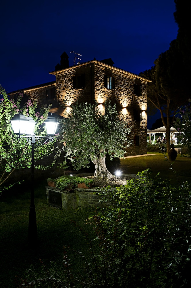 Front of Property - Evening/Night, Relais La Corte dei Papi