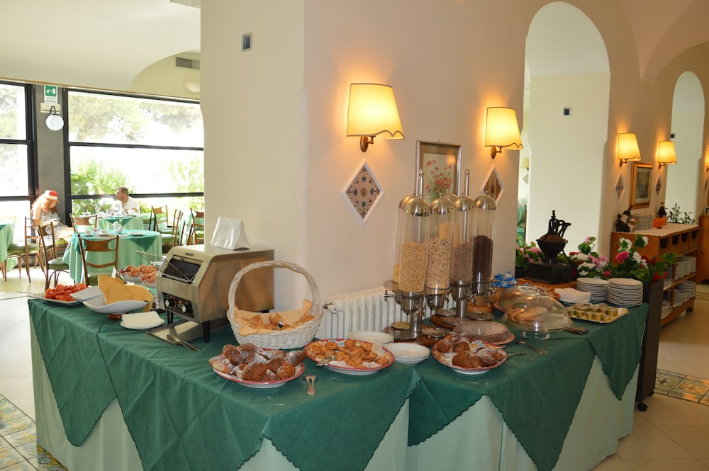 Breakfast Area, Hotel La Bussola