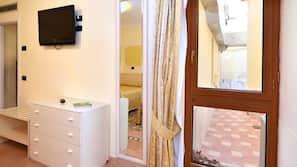 Minibaari, tallelokero huoneessa, silitysrauta/-lauta, ilmainen Wi-Fi