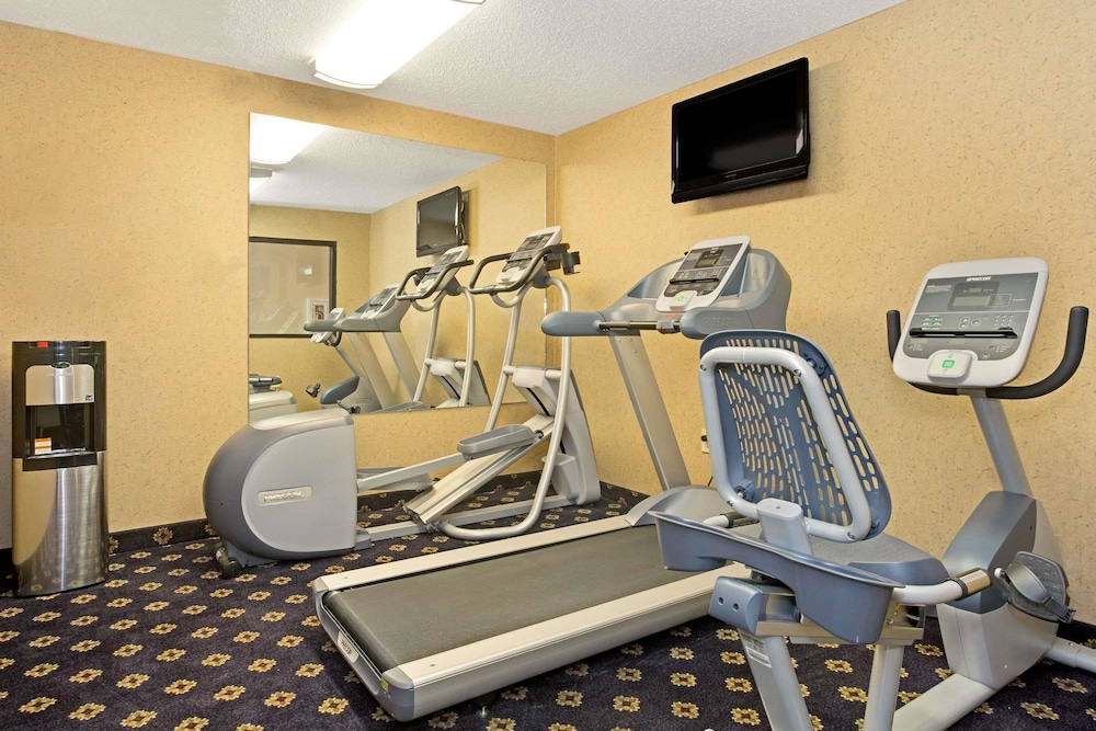 Fitness Facility, Hawthorn Suites by Wyndham Cincinnati/Sharonville