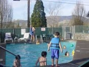Outdoor Pool, Timbers Motel