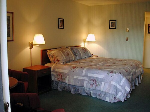 Room, Timbers Motel