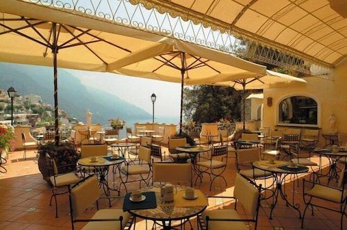 Outdoor Dining, Hotel Posa Posa