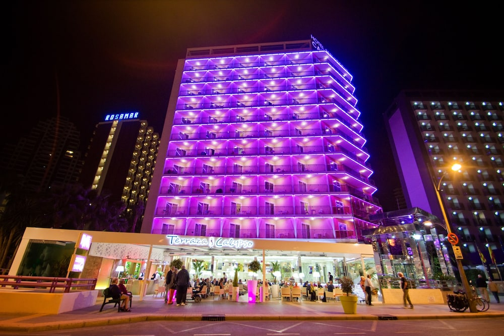 Front of Property - Evening/Night, Hotel Servigroup Calypso
