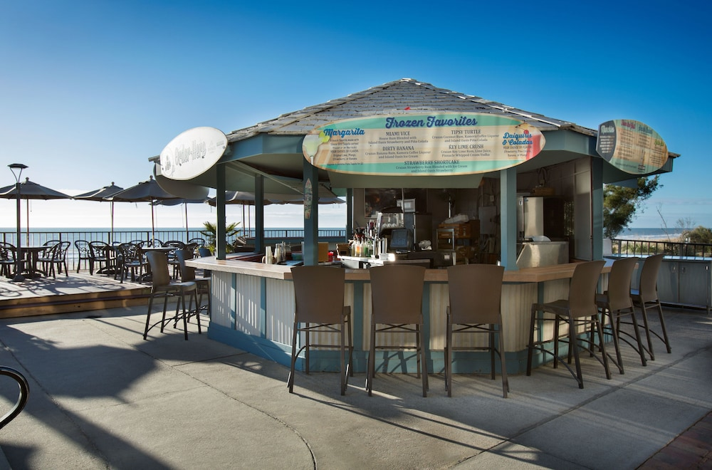 Poolside Bar, Compass Cove Resort