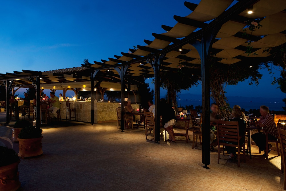 Outdoor Dining, Alia Palace Hotel - Adults Only 16+