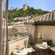 Cheap Hotels Near Sacromonte Abbey : Save More with CheapTickets