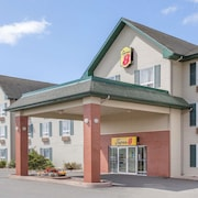 Super 8 by Wyndham Truro NS