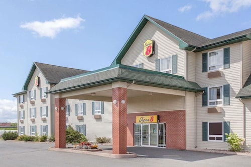 Check Expedia for Availability of Super 8 by Wyndham Truro NS