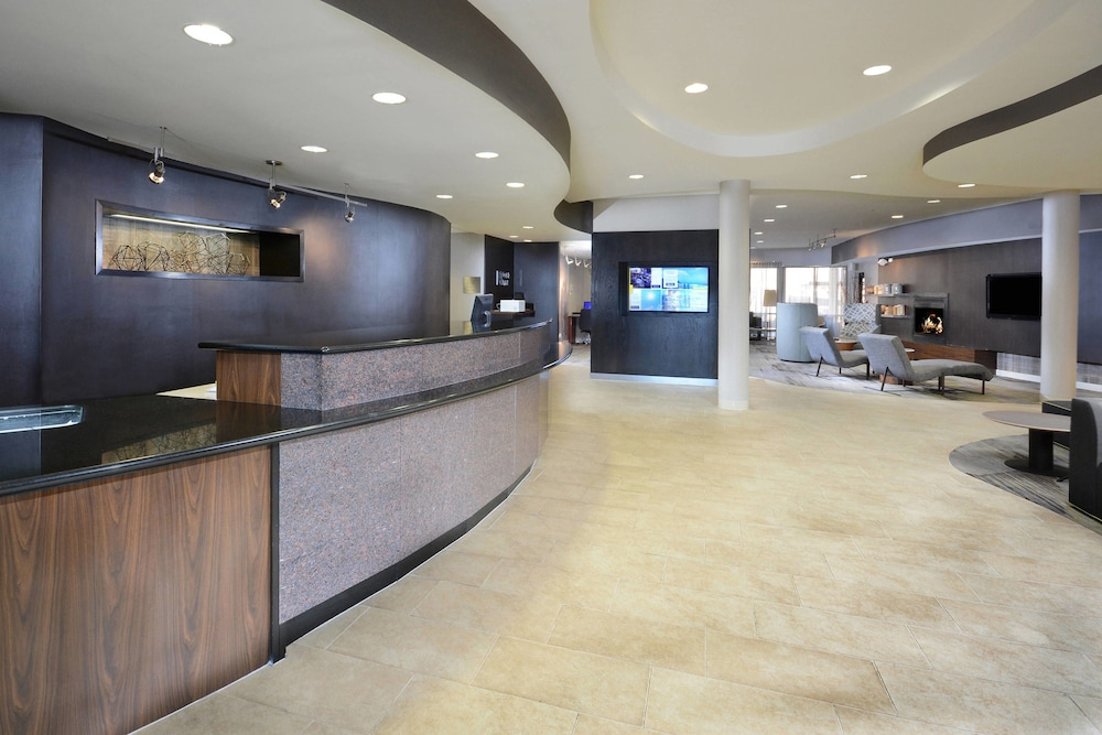 Lobby, Courtyard by Marriott Danville