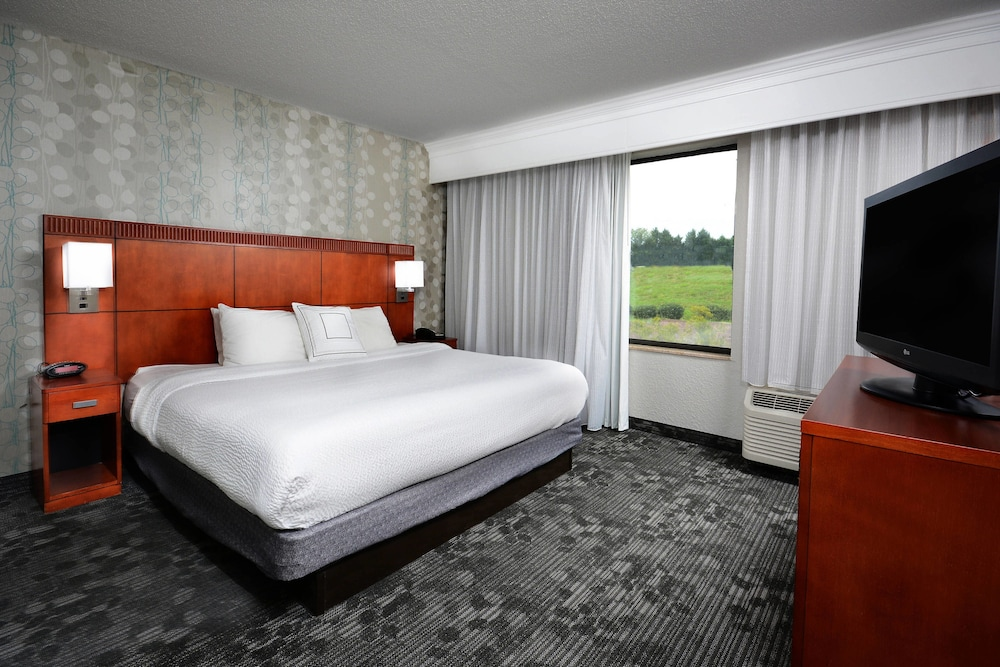 Room, Courtyard by Marriott Danville