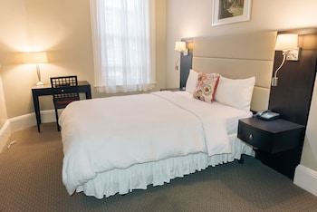 Standard Room, 1 Queen Bed - Guestroom