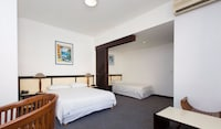 Superior Room (3 Single Beds)
