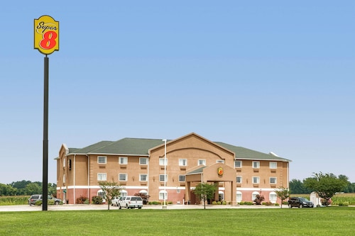 Great Place to stay Super 8 by Wyndham Grayville near Grayville