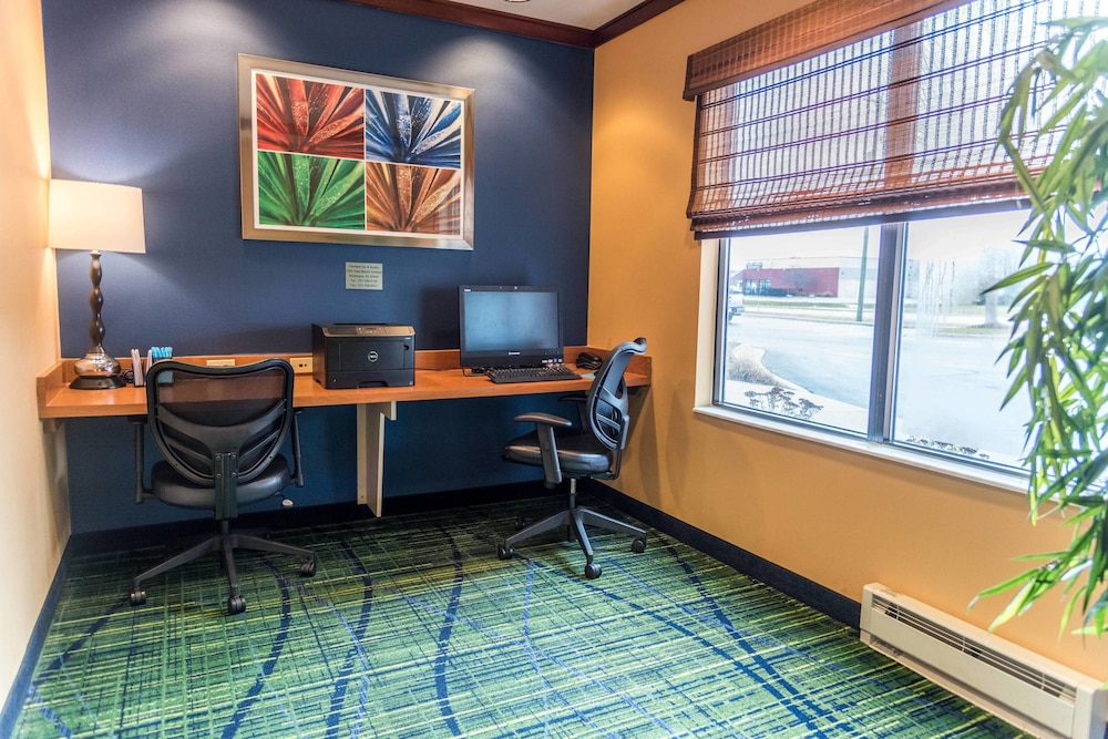 Business Center, Fairfield Inn and Suites by Marriott Muskegon Norton Shores