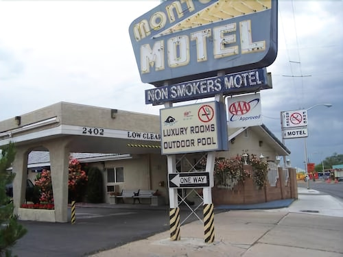 Great Place to stay Monterey Non-Smokers Motel near Albuquerque