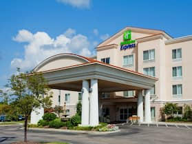 Holiday Inn Express Hotel & Suites Concord, an IHG Hotel