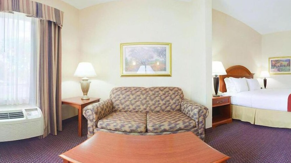 Living Area, Holiday Inn Express Hotel & Suites Dayton-Centerville, an IHG Hotel