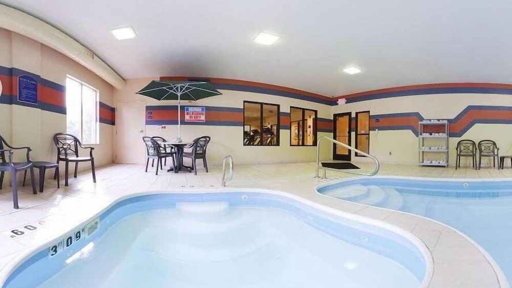 Indoor Pool, Holiday Inn Express Hotel & Suites Dayton-Centerville, an IHG Hotel