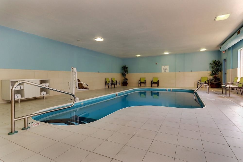 Pool, Holiday Inn Express Hotel & Suites Dayton-Centerville, an IHG Hotel