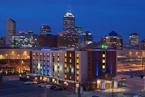 Holiday Inn Express Indianapolis Downtown Convention Center