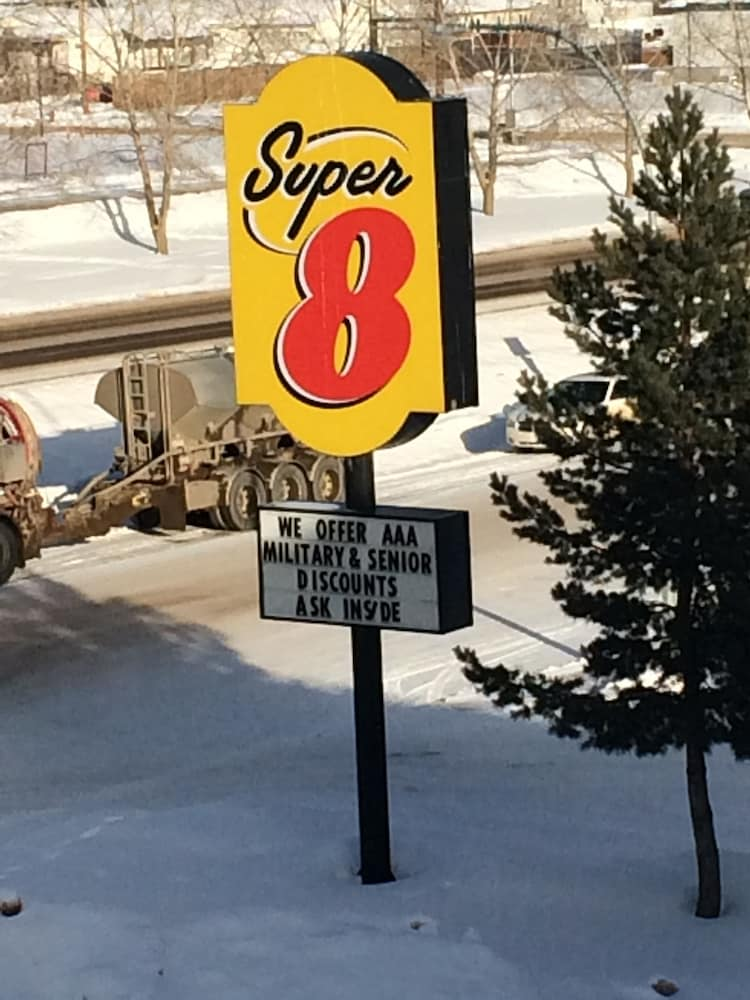 Super 8 By Wyndham Fort Nelson Bc Deals  U0026 Reviews  Fort Nelson  Can