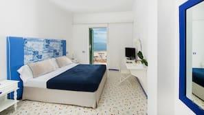 Italienische Bettbezüge von Frette, Zimmersafe, Schreibtisch