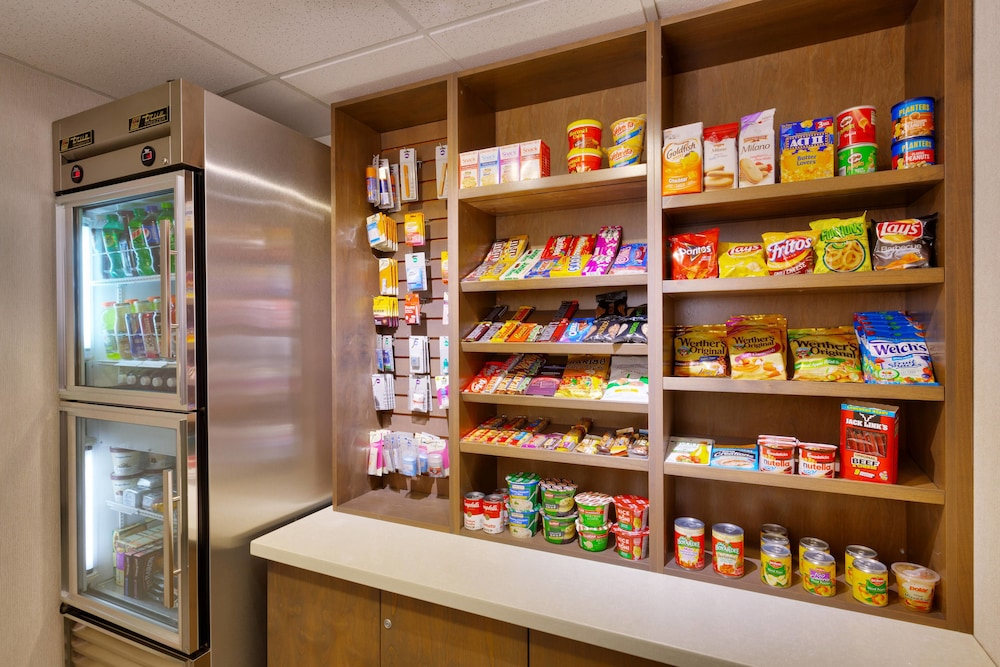 Snack Bar, Fairfield Inn and Suites by Marriott Roswell