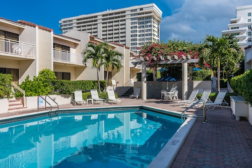 Ventura at Boca Raton by Capital Vacations