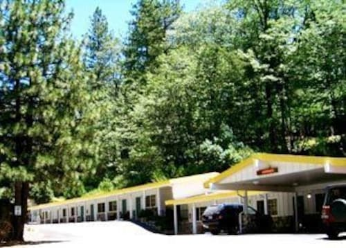Great Place to stay Golden Chain Motel near Grass Valley
