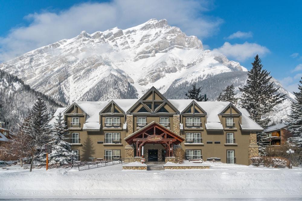 Banff inn in banff national park hotel rates reviews for Banff national park cabin rentals