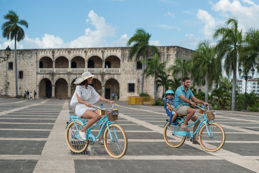 Bicycling, Hodelpa Caribe Colonial