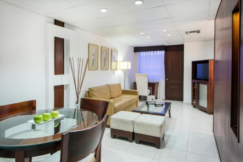 Living Room, Centro Plaza Hodelpa