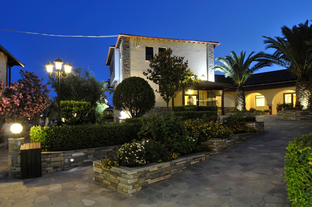 Front of Property - Evening/Night, Blue Dolphin Hotel
